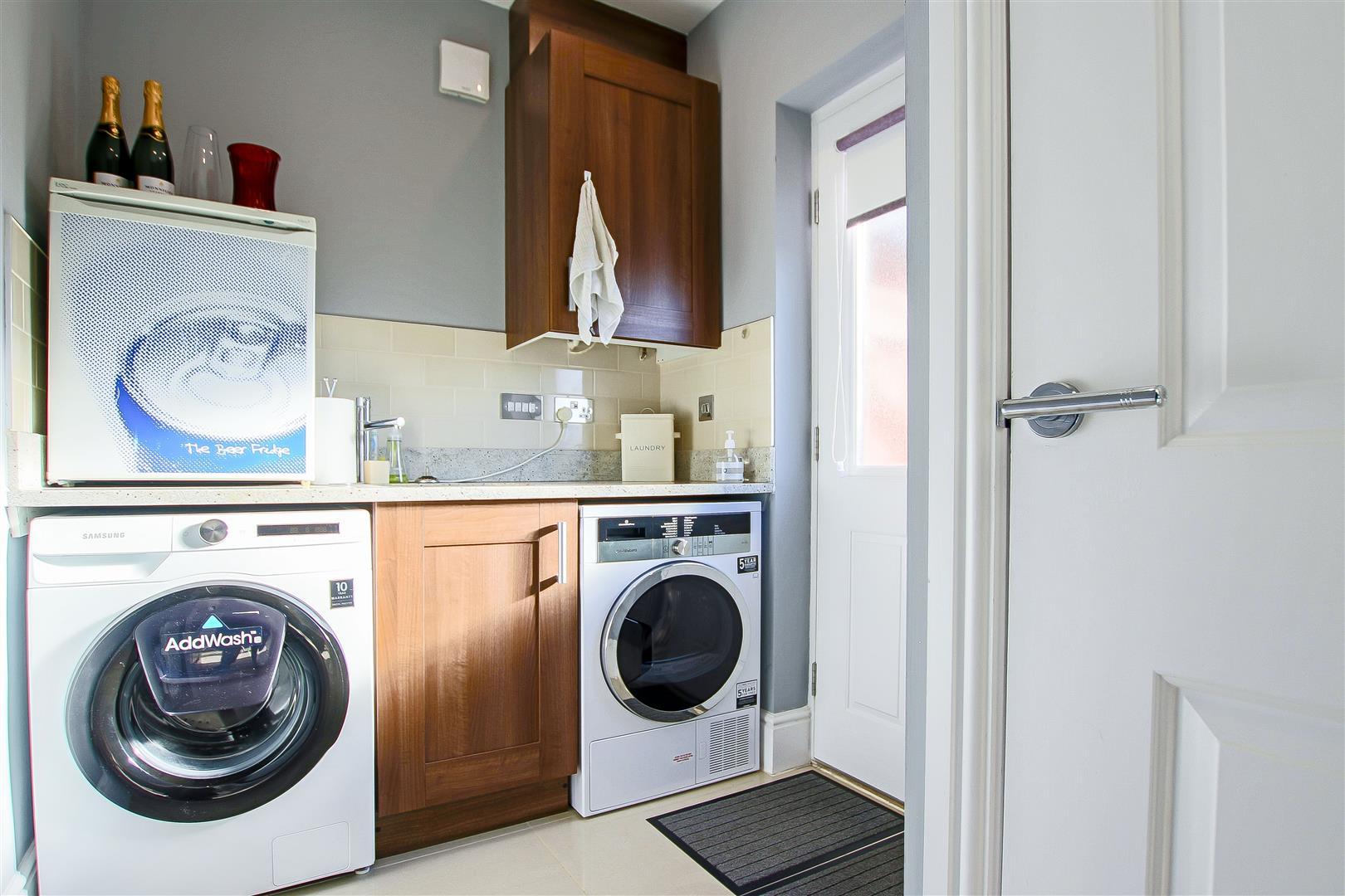 5 Bedroom Detached House For Sale - 47.jpg